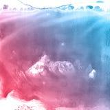Den röd, rosa färg- och blåttvattenfärgen målar bakgrund som märker urklippsboken, skissar Royaltyfria Foton