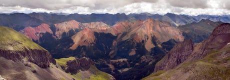 Den röda bergskedjan av Rocky Mountains Near Ouray Colorado Royaltyfri Foto