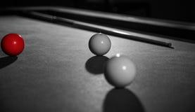 Den röda billiardbollen fotografering för bildbyråer