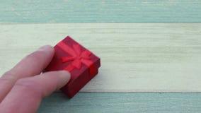 Den röda gåvan boxas arkivfilmer