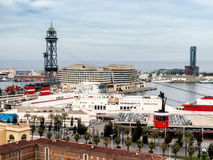Den röda portkabeln, Transbordador Aeri del Port i Barcelona Royaltyfria Bilder