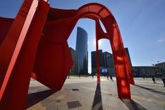 Den röda spindeln - område för La Défense - Paris royaltyfria foton