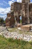Den r?da kyrkan - f?rd?rvar av tidig bysantinsk kristen basilika n?ra stad av Perushtitsa, Bulgarien royaltyfri bild