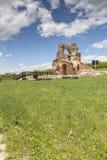 Den r?da kyrkan - f?rd?rvar av tidig bysantinsk kristen basilika n?ra stad av Perushtitsa, Bulgarien fotografering för bildbyråer