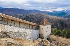 Den Rasnov fästningen fördärvar i Rumänien Arkivbilder
