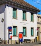 Den Rathaus polisstationen i Zurich, Schweiz Arkivbilder
