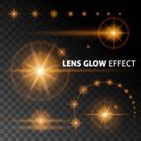 Den realistiska linsen blossar, och strålar exponerar vitt orange ljus på en mörk bakgrund Ställ in mallen för rengöringsdukdesig Fotografering för Bildbyråer