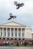Den Red Bull X-kämpar utställningen turnerar Tyumen Ryssland Fotografering för Bildbyråer
