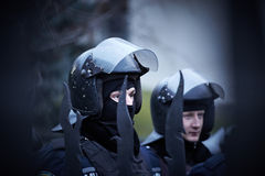 Den regerings- polisen på självständigheten kvadrerar under revolution i Ukraina arkivbild