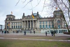 Den Reichstag byggnaden av den tyska regeringen i Berlin Royaltyfria Bilder