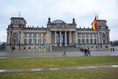 Den Reichstag byggnaden av den tyska regeringen i Berlin Arkivbilder