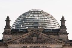 Den Reichstag byggnaden i Berlin Arkivbilder