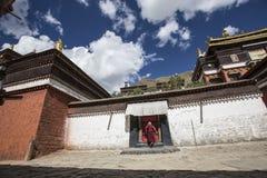 Den religiösa arkitekturen av denTibet platån Fotografering för Bildbyråer