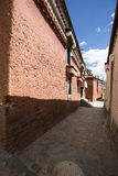 Den religiösa arkitekturen av denTibet platån Royaltyfria Bilder