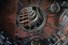 Den rengjorda motorn för lastbil royaltyfri foto