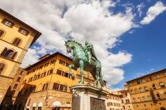 Den rid- monumentet av Cosimo Medici på piazza Della Signoria, Florence Royaltyfri Foto