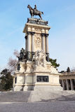 Den rid- monumentet till Alfonso XII i Retiro parkerar Royaltyfria Foton
