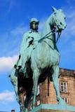 Den rid- statyn av konungen Frederik VII framme av Chrisen Royaltyfria Foton