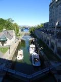 Den Rideau kanalen i Ottawa arkivfoto