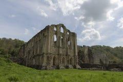 Den Rievaulx abbotskloster, North Yorkshire förtöjer, North Yorkshire, England Royaltyfria Bilder