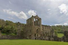 Den Rievaulx abbotskloster, North Yorkshire förtöjer, North Yorkshire, England Royaltyfri Bild