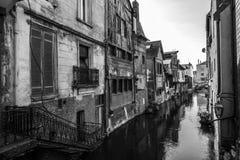 Den Risle kanalen på Pont-Audemerstaden Royaltyfria Bilder
