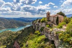 Den romanska kyrkan av Santa Maria de Siurana Royaltyfria Foton