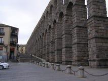 Den romerska akvedukten i Segovia Spanien Royaltyfria Bilder