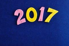 2017 in den rosa und gelben Zahlen Lizenzfreies Stockfoto