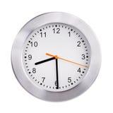 Den runda klockan visar halvan av nionde Royaltyfri Fotografi