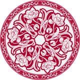 Den runda modellen med motiv av kinesisk målning Mandala av vita blommor på en röd bakgrund Royaltyfri Bild