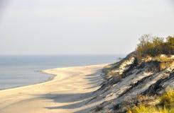 den russia för kurshskayaen för dynhorisontkosaen sanden går sträcka till Royaltyfria Bilder