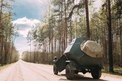 Den ryska bepansrade sovjet spanar Car BA-64 av världskrig II som parkerar Arkivbild