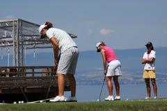 Den sättande greenen på golf Evian styrer 2012 arkivfoton