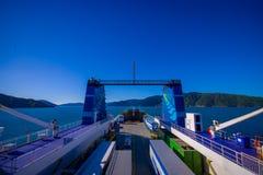 DEN SÖDRA ÖN, NYA SJÄLLAND MAY 25, 2017: Färja på hamnen som ger daglig anslutning mellan norr och södra öar Arkivfoto