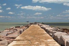 Den södra bryggan av port Aransas, Texas Arkivfoto
