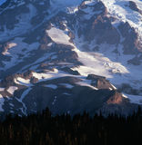 Den södra framsidan av Mount Rainier på gryning, Mt Rainier National Park Washington Royaltyfri Fotografi