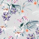 Den sömlösa modellen, ljusa tappningfärgpalmblad och rosa liljor, klematiers och exotiska tropiska paradisblommor på tappning slö royaltyfri illustrationer