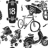 Den sömlösa modellen med rullen för mopedsurfingbrädaskridskon var nedstämd och cykeln Arkivbilder