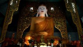 Den sakrala Buddha avbildar i norden av Thailand Royaltyfri Fotografi