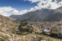 Den sakrala dalen skördade vetefältet i den Urubamba dalen i Peru, Royaltyfri Bild
