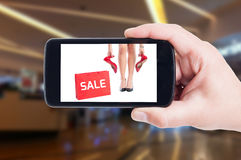 Den Sale advertizingen för kvinna skor begrepp Arkivfoton