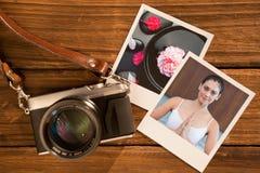 Den sammansatta bilden av den fridsamma kvinnan i vitt sammanträde i lotusblomma poserar fotografering för bildbyråer