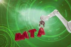 Den sammansatta bilden av den robotic armen som ordnar data, smsar 3d Arkivfoton