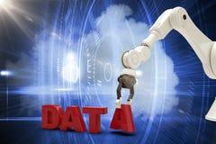 Den sammansatta bilden av den sammansatta bilden av den robotic armen som ordnar data, smsar 3d Royaltyfri Fotografi