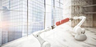 Den sammansatta bilden av metalliska robotic händer som rymmer det röda molnet, smsar över vit bakgrund Arkivbild