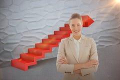 Den sammansatta bilden av ståenden av en ung affärskvinna med armar korsade att le 3d Arkivbild