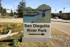 Den San Dieguito floden parkerar tecknet för information om ingångstabellen Royaltyfri Bild