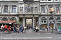 Den Sanka Hubert Gallery i Bryssel som är berömd vid dess höga slut, shoppar Arkivfoto