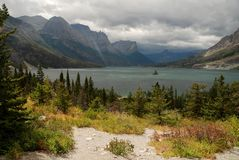 Sanktt Mary Lake, Montana, USA Royaltyfria Bilder